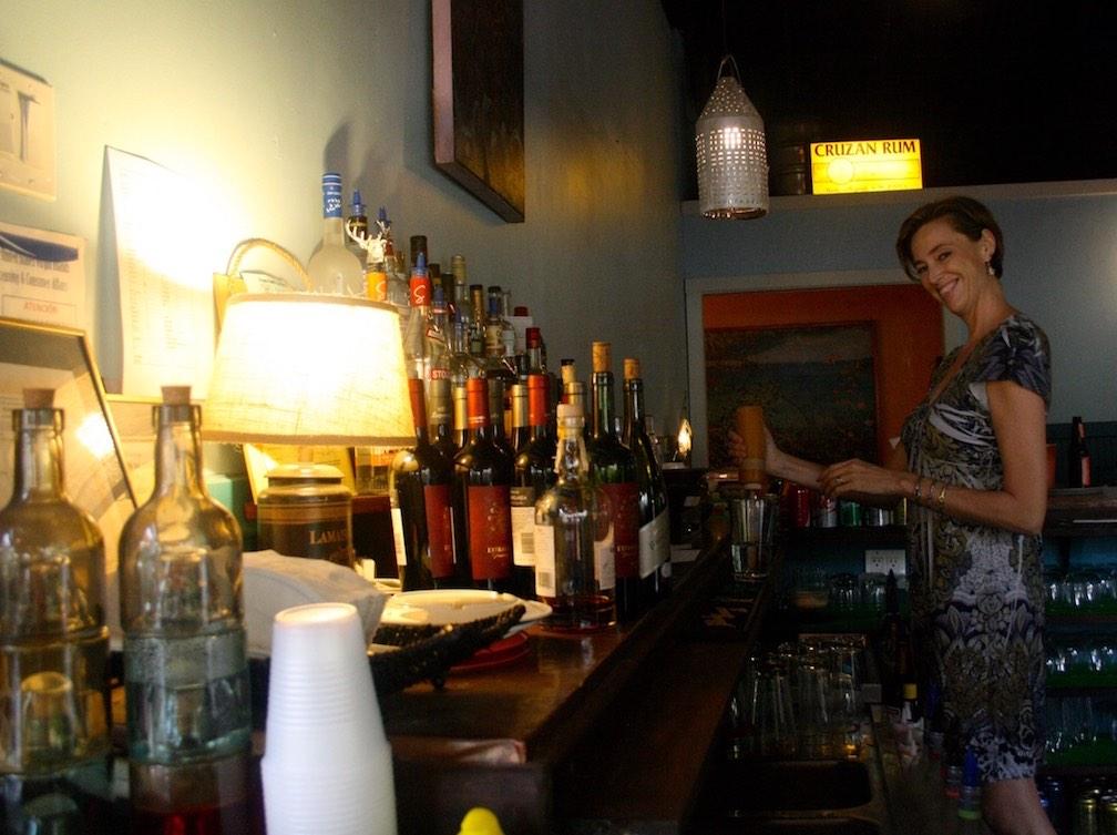 Bartender-Indigo