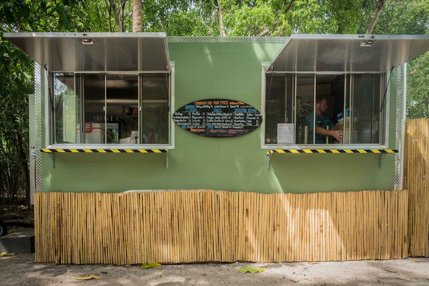 Cinnamon-Bay-St-John-foodtruck